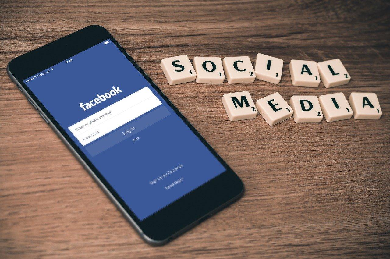 FacebookがZoomのようなグループで通話できる機能を追加!